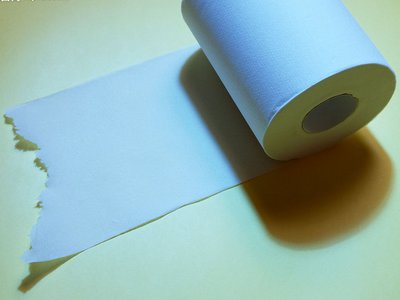 卫生纸擦拭餐具