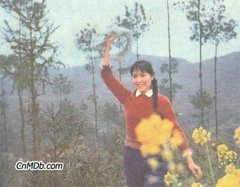 八十年代电影明星的旧貌和新颜—(030)质朴含蓄沈丹萍 - 青松不老 - 枝繁叶茂!祝愿祖国繁荣昌盛!!