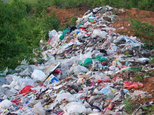 摩罗/鄱阳湖源头建起露天垃圾场 - 摩罗 - 摩罗的博客