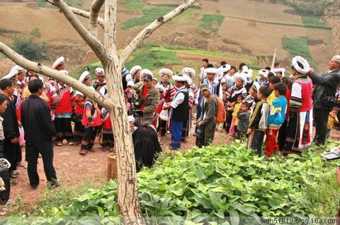 大渡河流域尔苏藏族的卦术 - 王老师 - 尔苏藏族文化
