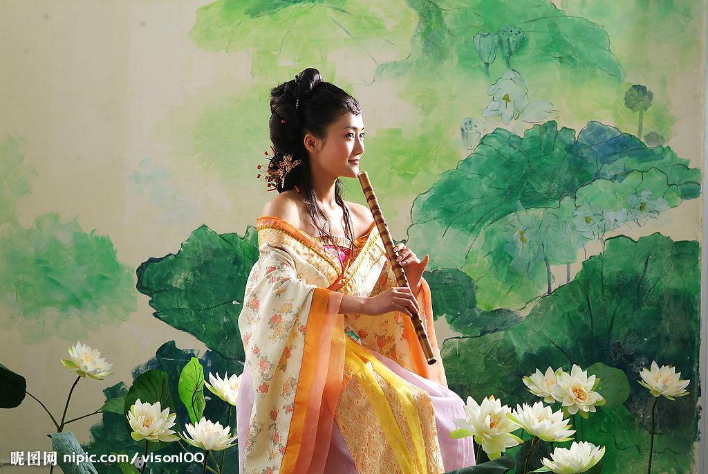 古代美女-吹笛