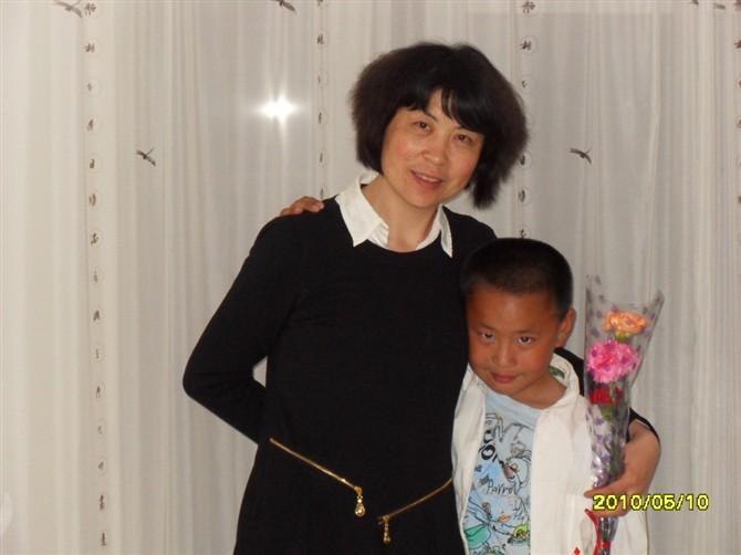 妈妈一家亲,祝福全天下的妈妈母亲节快乐 - 越乐坚 - 越乐坚