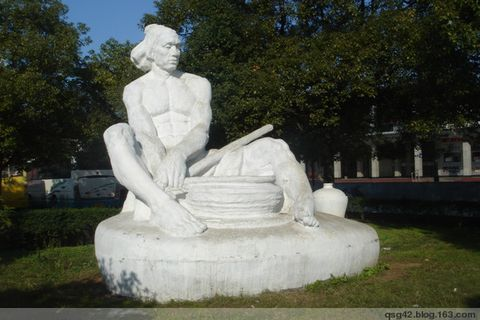 景德镇的城市雕塑《二》 - qsg42 - qsg42的博客