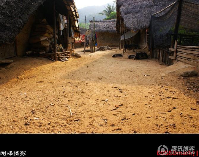 白查村:中国即将消失的最后黎寨 - 刚峰先生 - 天涯横呤