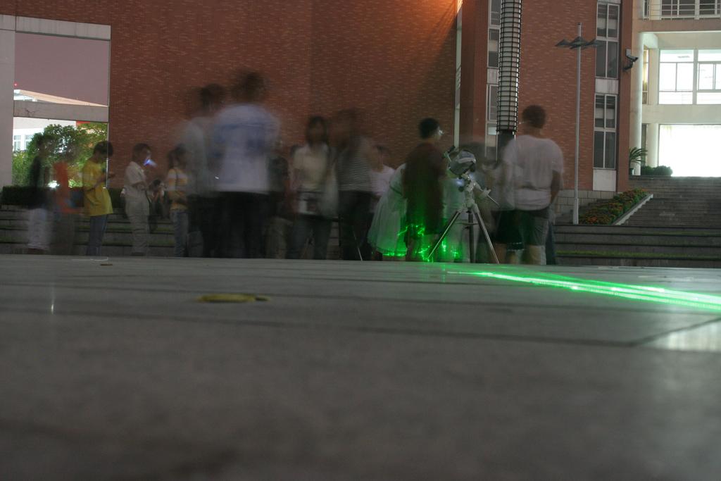杭州电子科技大学的路边天文摊活动 - starrynight12 - Celestial Wonders