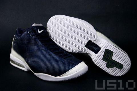 蝙蝠侠的PIP IV - US10 - US10的鞋子们的故事