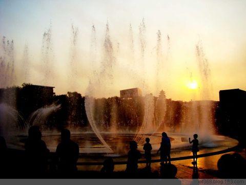 喷泉 - 天山雪 - 天山雪莲