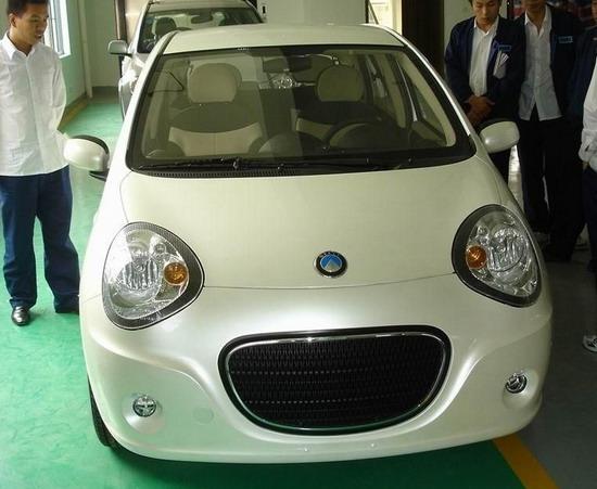 标志,现在还没有正式命名.这个小车外形像熊猫,很可爱,动力性高清图片