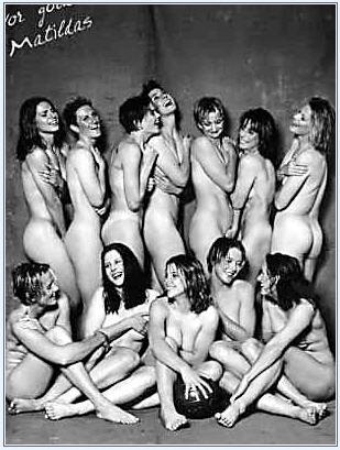 组图:女足姑娘被迫成脱衣女郎 - 潇彧 - 潇彧咖啡-幸福咖啡