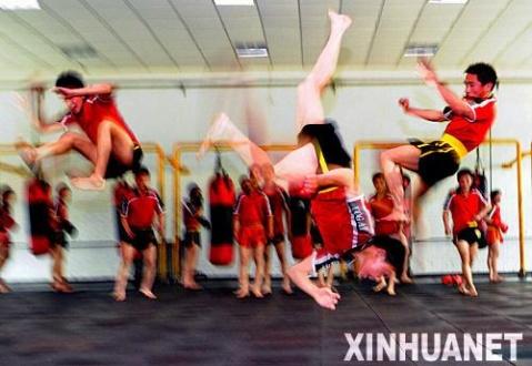 镜头记录少林寺练武人的艰辛与执著 - 一片军心 - 军心飞扬