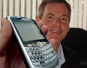 独家报道 BlackBerry8370 - amnews007 - 阿魔的超媒体观察