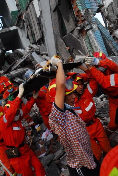 救人最多志愿者陈岩:因为我还活着 所以我要来(图) - 赵亚辉 - 赵亚辉