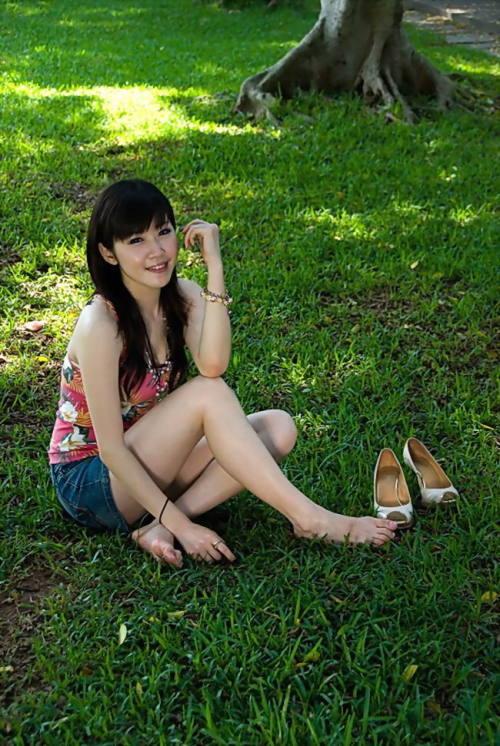 青春性感的大学靓妹 - 美艳图片站 - 美艳图片站