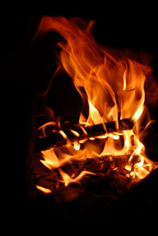 灶膛里的火 - 梅心如雪 - 梅心如雪