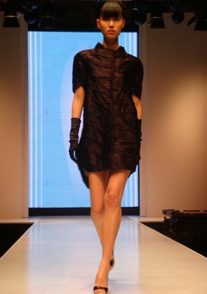 台上的模特 - SARA - JUST  SARA