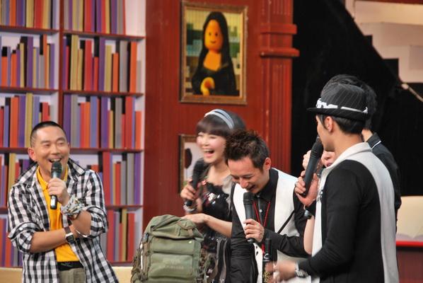 湖南卫视:方琼、维嘉大搜行走40国私家行囊 - 行走40国 - 行走40国的博客