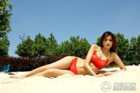 沙滩排球美女大秀火爆身材