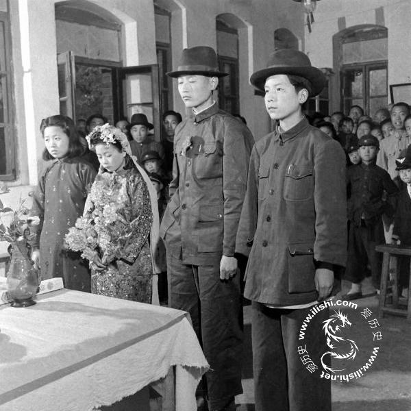 1947年的新式婚礼 - 海阔山遥 - .