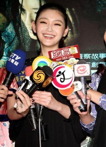 20081008 宣传新片得妈妈捧场 大S曝想舌吻古天乐 - juby..☆..°.° - ☆.じ☆ve?°熙媛