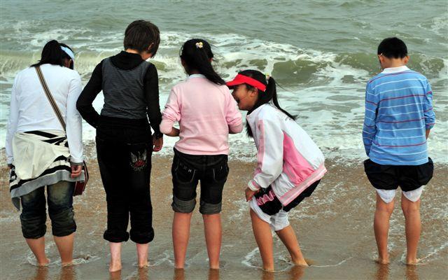 组图:大年初二在海滩上 - 潘石屹 - 潘石屹的博客