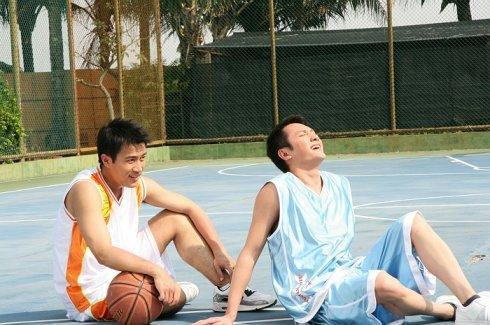 跟篮球较劲 - 冯绍峰 - 冯绍峰の部落格
