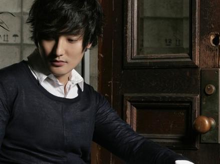 安七炫第一张专辑_文熙俊安胜浩安七炫张佑赫李在元HOT时隔7年