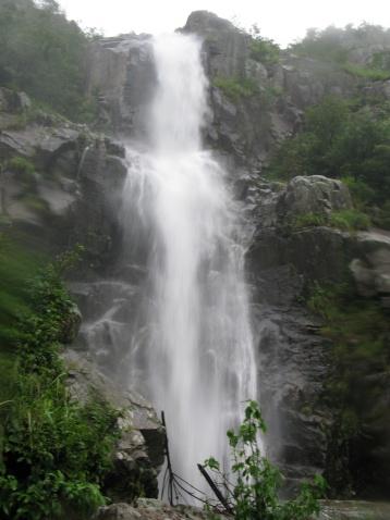 岩背等瀑布(新昌的瀑布之三) - 江村一老头 - 江村一老头的茅草屋