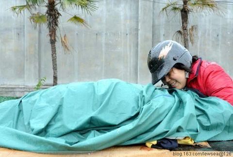 地震后令人悲痛的照片--为逝者默哀 - 安富强 - 无眠月的博客