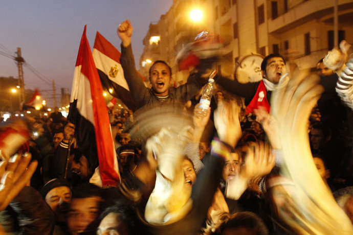 实拍埃及军民热血沸腾共庆穆巴拉克下台(高清组图)
