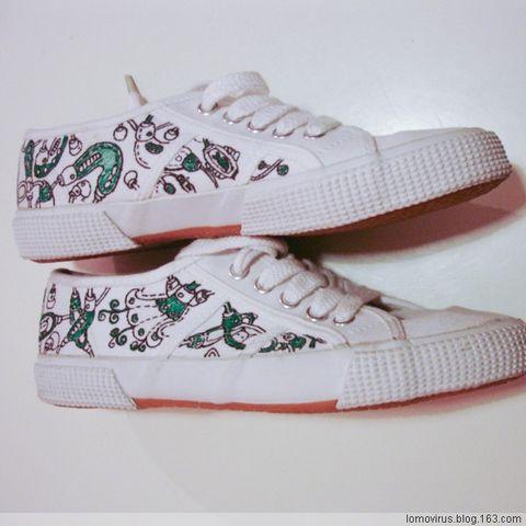 鞋子正面手绘稿