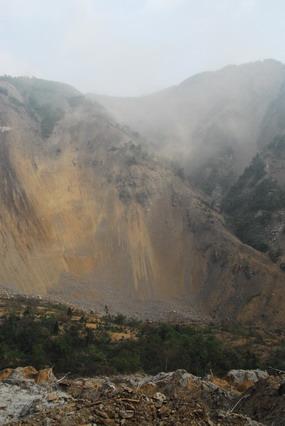 赵亚辉:目击最危险的唐家山堰塞湖(组图) - 赵亚辉 - 赵亚辉