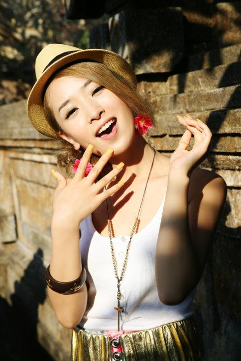 SARA巴厘岛清凉装扮出游 - 韩国媚眼天使sara - 韩国媚眼天使sara   博客