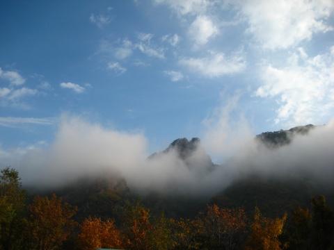 九月的云彩下面 - 中国作家协会会刊 - 中国作家协会会刊