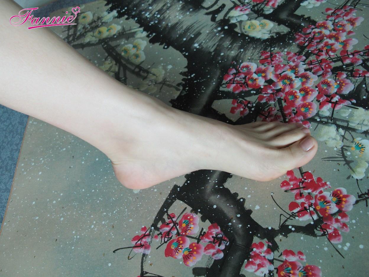 == 梅足图。疏梅弄影 == - 喜欢光脚丫的夏天 - 喜欢光脚丫的夏天