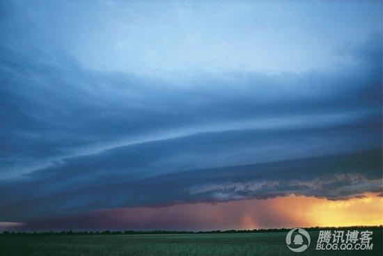 气象瓶不同天气的照片-玩命拍到极端天气奇观