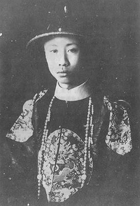末代皇帝溥仪藏在棉衣里的国宝