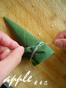 一款难得一见的让人着迷的身材苗条的三角粽裹法大解析 - 可可西里 - 可可西里