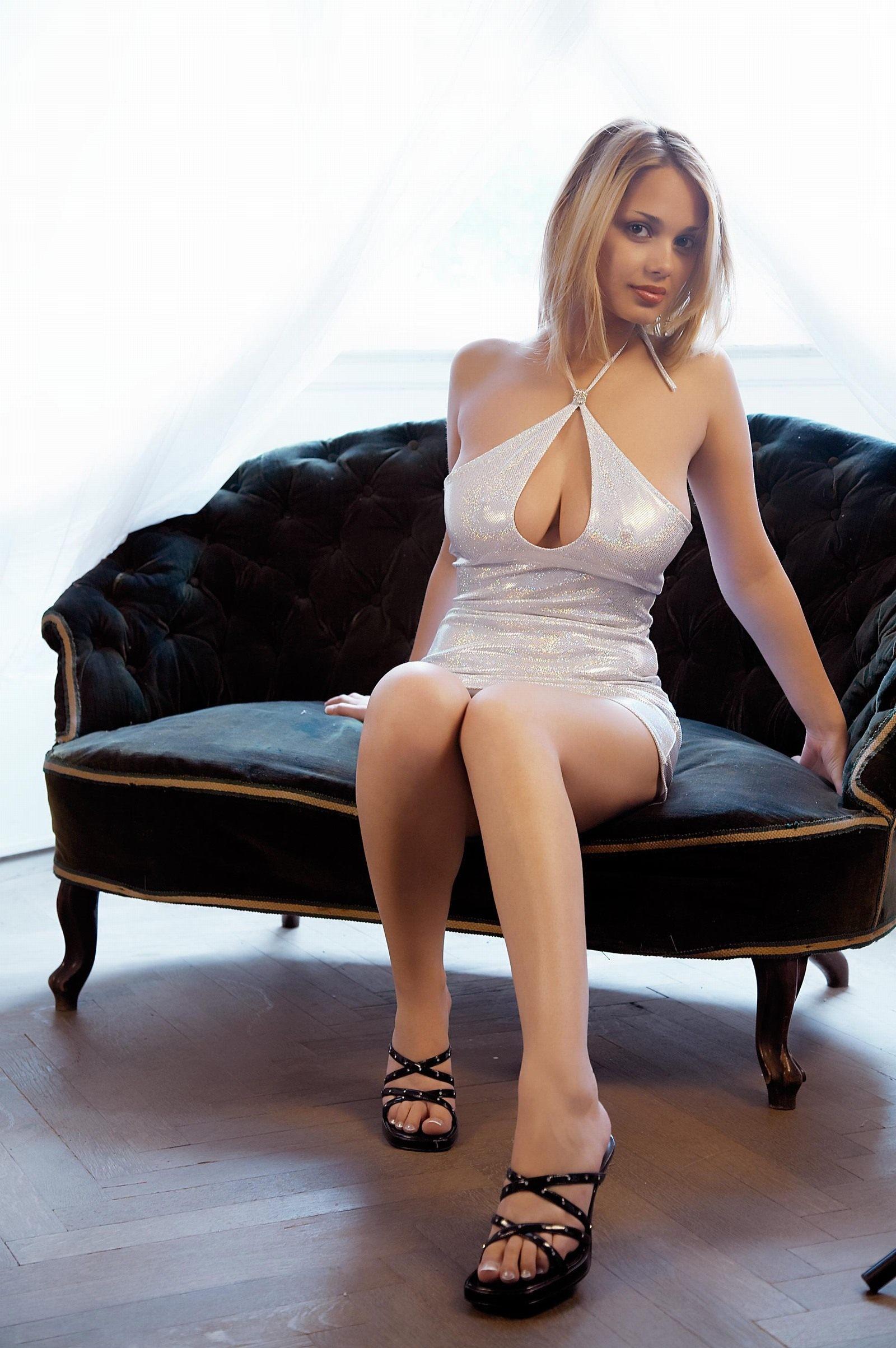 【转载】[西女] 银色紧裙好迷人,身材超一流(无水印高清7P) - 公主 - 平面媒体中心公主的博客