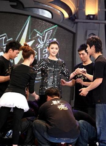 20090209 罗志祥任舞林大道评审 与大S合跳舞 - juby..☆..°.° - ☆.じ☆ve?°熙媛
