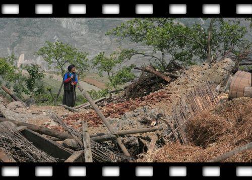 让我潸然泪下的羌族母亲 - z129541[B] - 我的博客