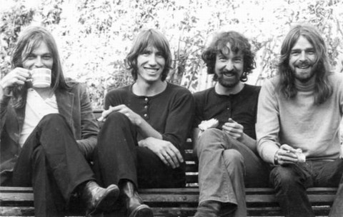 迷墙  (Pink Floyd 《The Wall》) - 故事里旅行 -