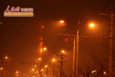 北京央视新楼,配楼已满目疮痍!损失巨大了!(图) - 智慧使者 - 强国教育陈勇的博客