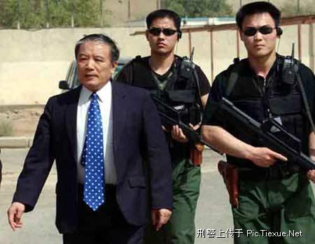 引用 中国保镖 - 色男 - 猛男
