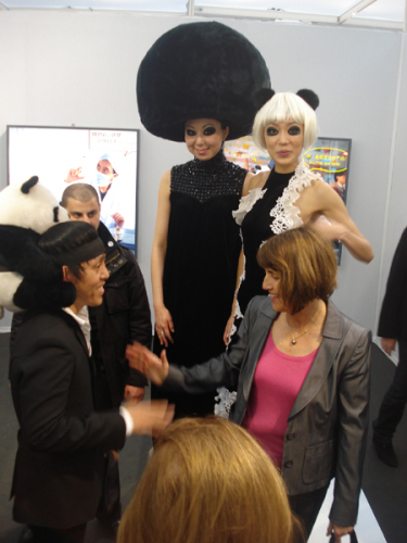 法国两任文化部长热捧中国熊猫时装秀 - 赵半狄 - 熊猫艺术家赵半狄的博客