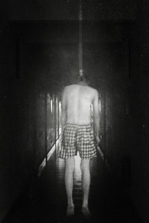 【摄影文】Suicide 8226; 这一切与任何人无关 - 彷徨中晕眩... - 永-不-褪-色-的-只-有-黑-色