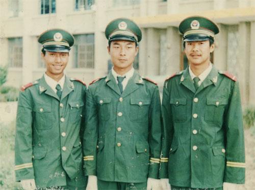 武警战士洪启 - hongqi.163blog - 另一个空间