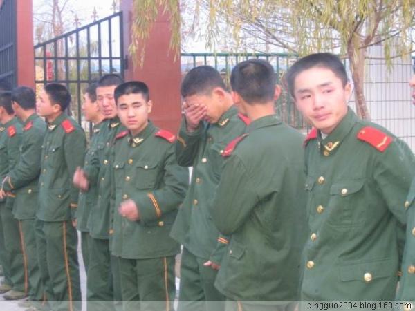 军人的泪水 - 可爱 - 一名老兵的儿子爱国青年