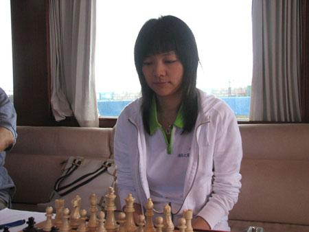 图文-2007国象甲级联赛第五轮诸宸气质高雅娴静