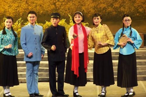看过《飘逸的红纱巾》,不过...... - 和合为美 韵味永昌 - 和韵京剧社 的博客