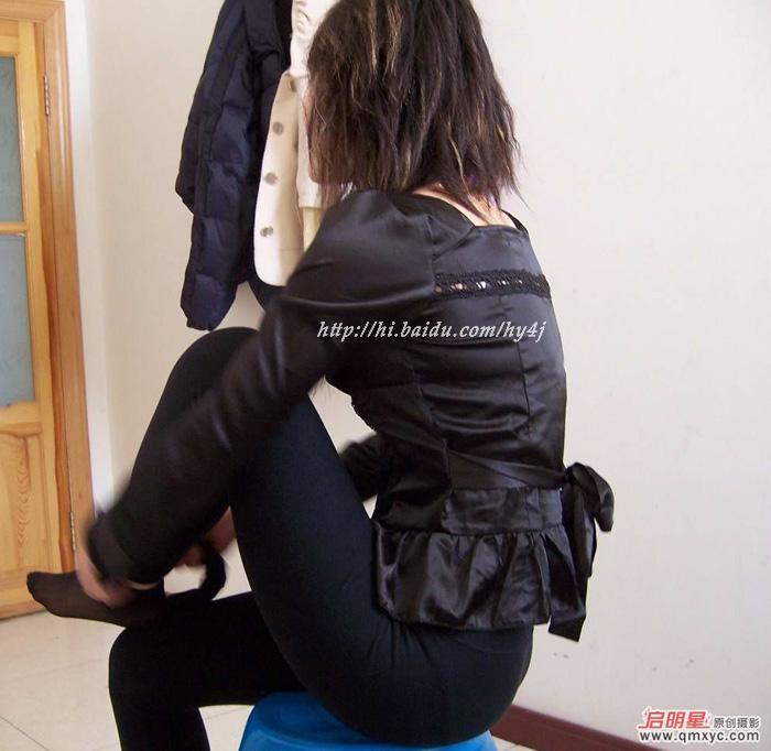 换裤子的美女好诱人的翘臀!绝对真实! - mbmbm - mbmbm的博客